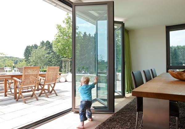 streit glas falt schiebeelemente. Black Bedroom Furniture Sets. Home Design Ideas